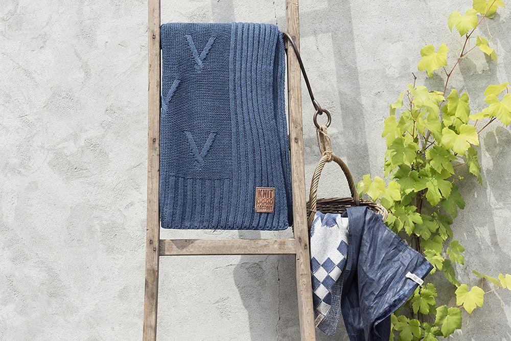 11011 knit factory plaid aran 1