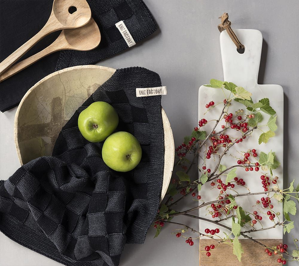 20100 knit factory keukendoek block zwart 1
