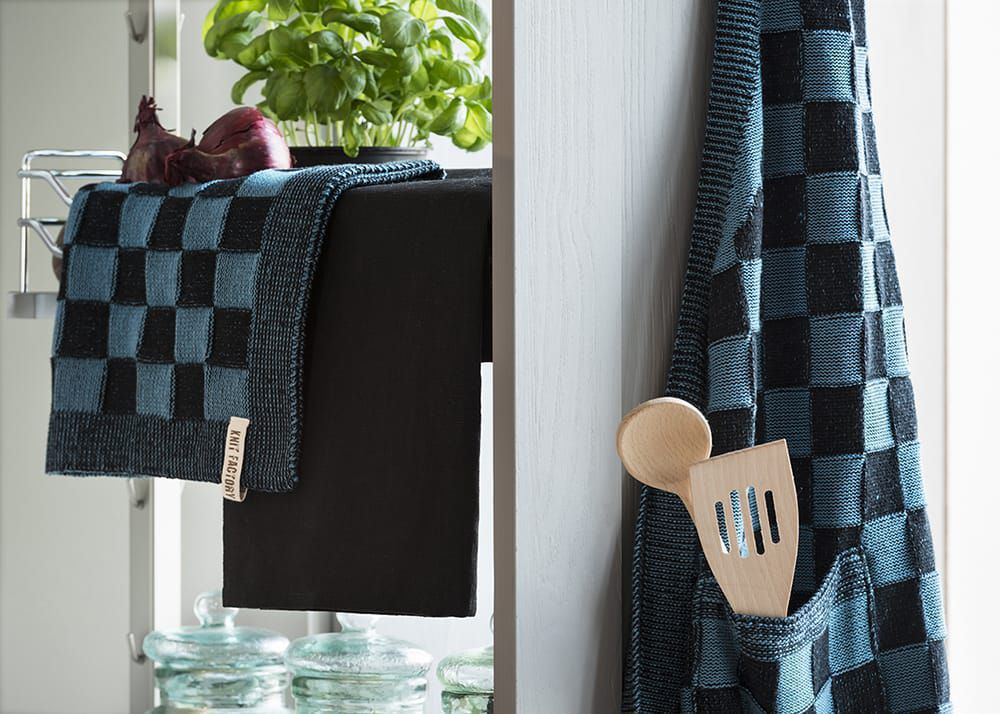 20100 knit factory keukendoek block zwart 2