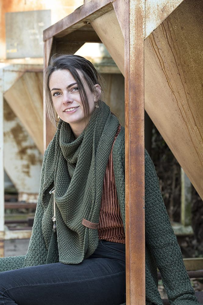 knit factory 1205825 coco omslagdoek deluxe khaki 4