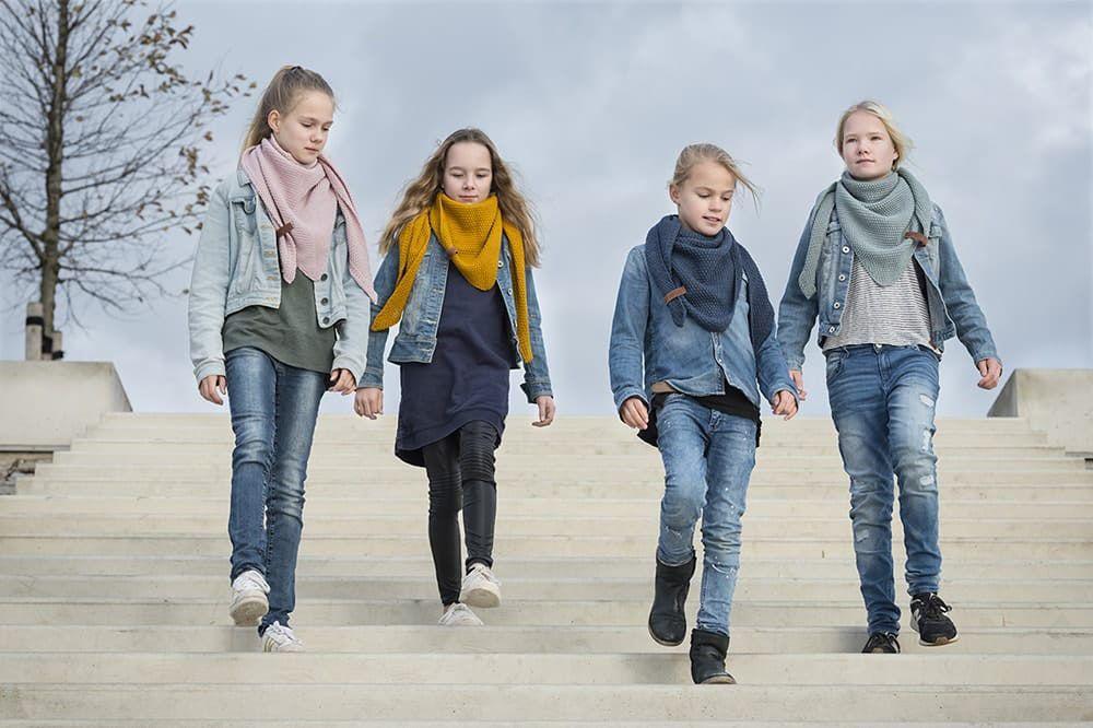 knit factory 1205913 coco omslagdoek junior jeans 3
