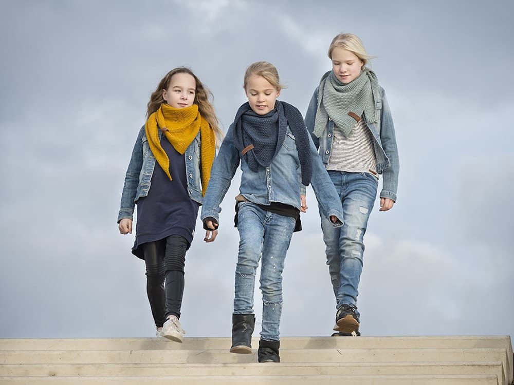 knit factory 1205913 coco omslagdoek junior jeans 5