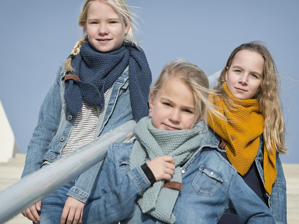 knit factory 1205917 coco omslagdoek junior oker 12