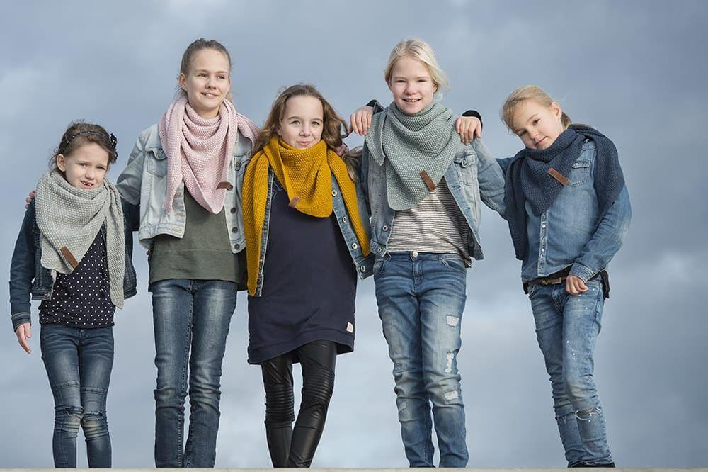 knit factory 1205917 coco omslagdoek junior oker 15