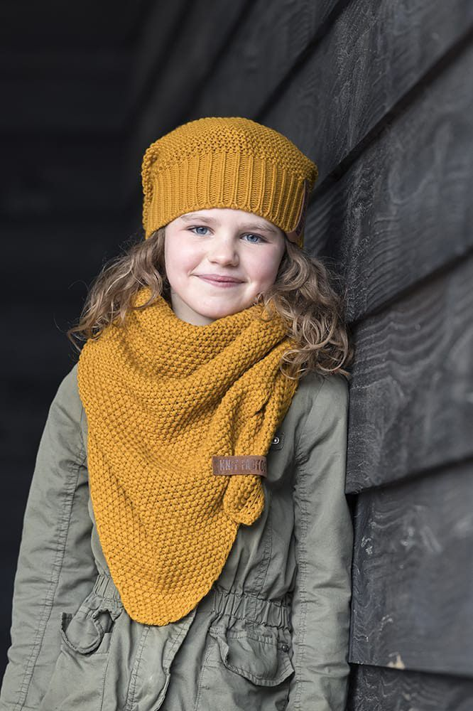 knit factory 1205917 coco omslagdoek junior oker 2