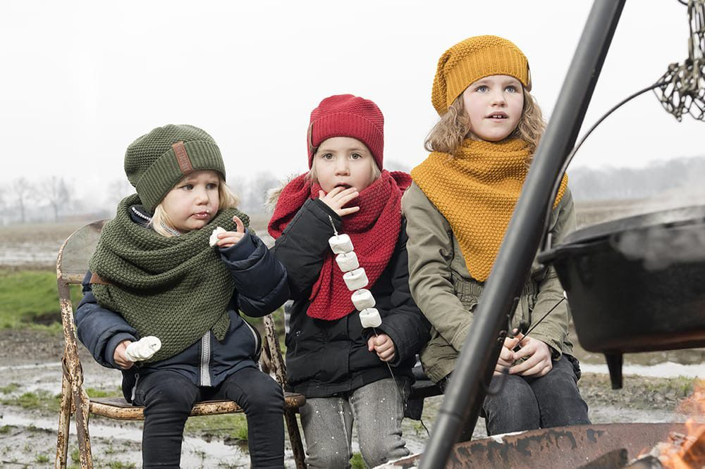 knit factory 1205917 coco omslagdoek junior oker 5