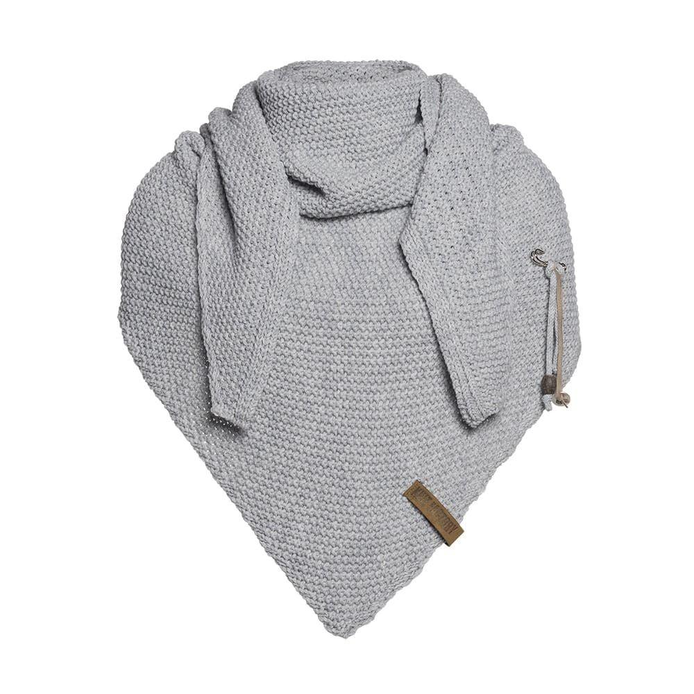 knit factory 1206011 coco omslagdoek licht grijs 1