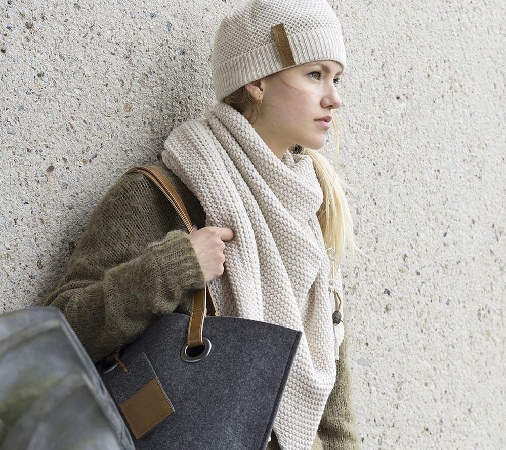 knit factory 1206012 coco omslagdoek beige 3