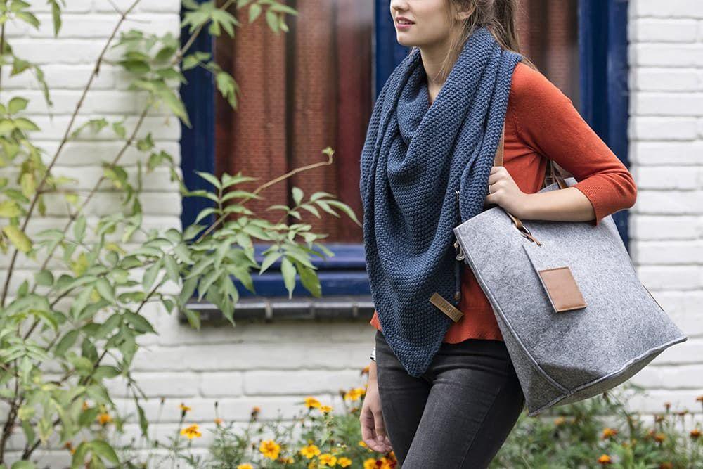 knit factory 1206013 coco omslagdoek jeans 2