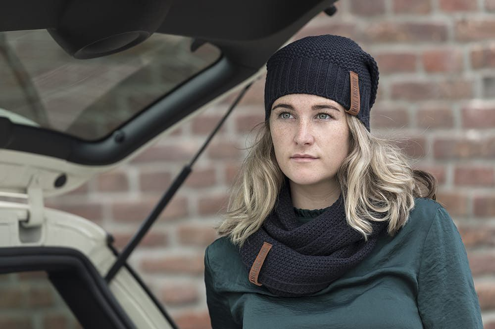 knit factory 1206626 coco colsjaal navy 2