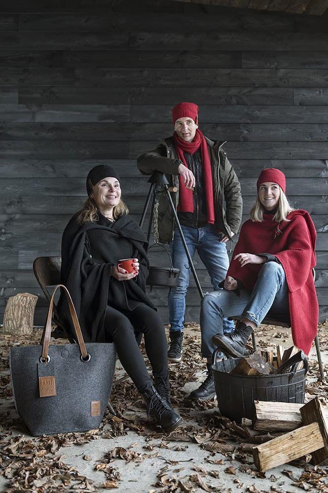 knit factory 1207003 coco beanie bordeaux 5