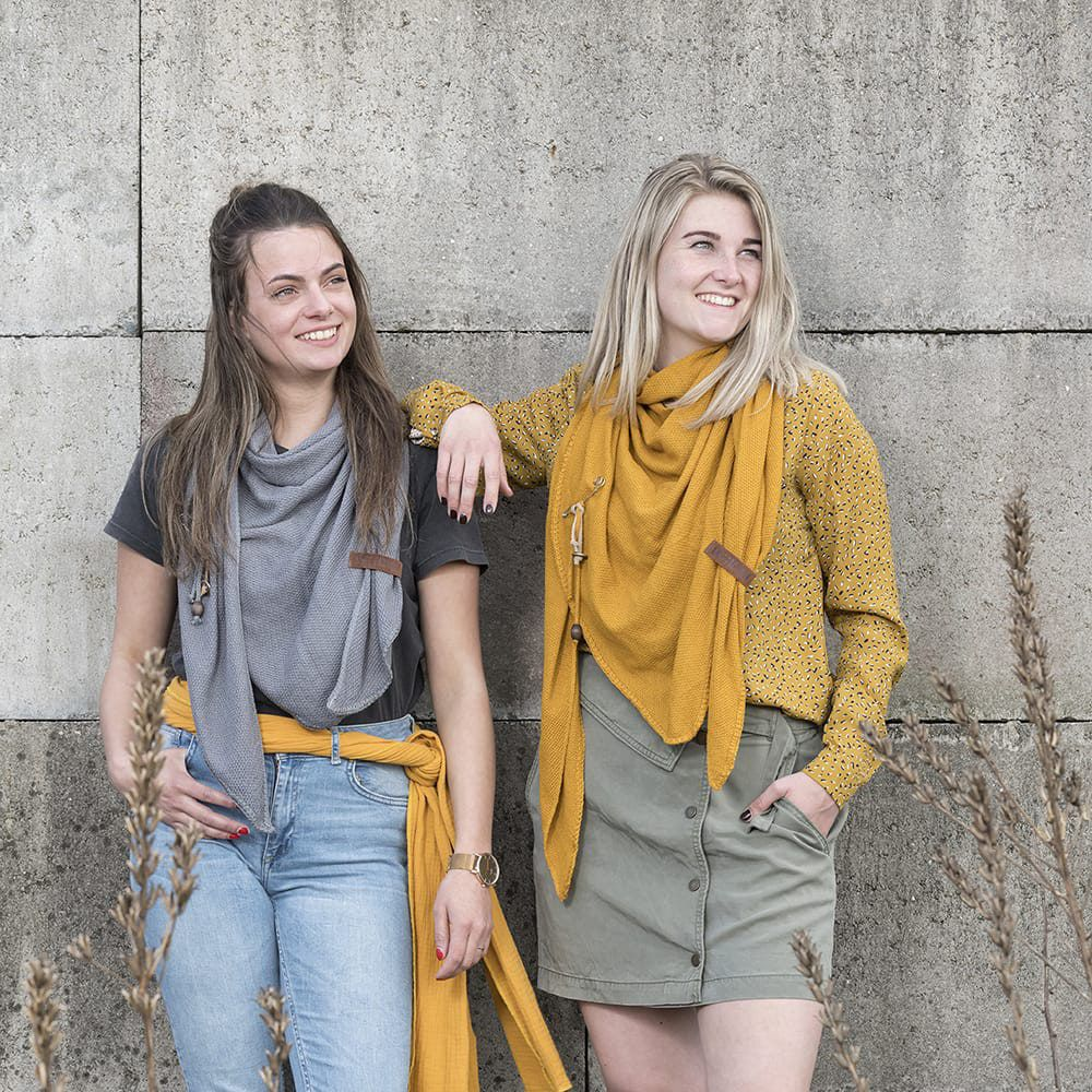 knit factory 1306006 lola omslagdoek med grey6