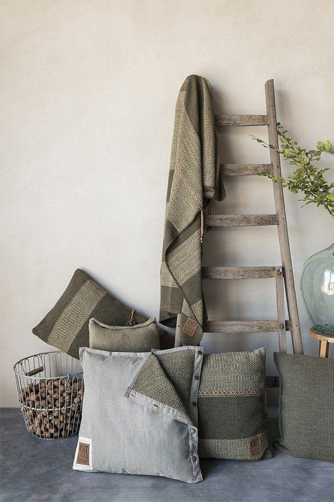 knit factory 1311244 roxx kussen 50x50 groen olive 4