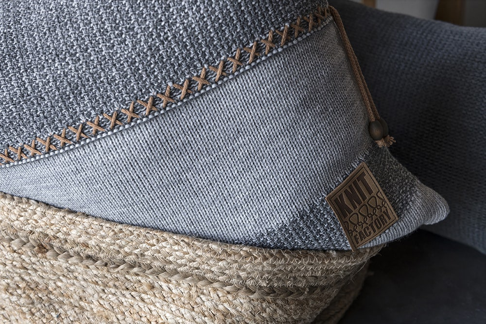 knit factory 1311251 roxx kussen 50x50 grijs antraciet 3
