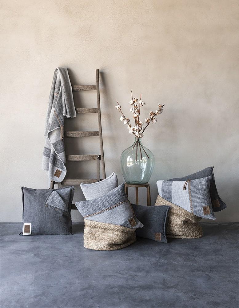 knit factory 1311251 roxx kussen 50x50 grijs antraciet 4