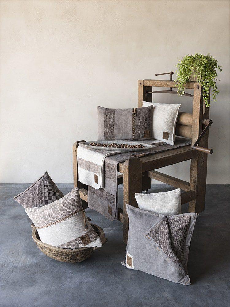 knit factory 1311252 roxx kussen 50x50 beige marron 3