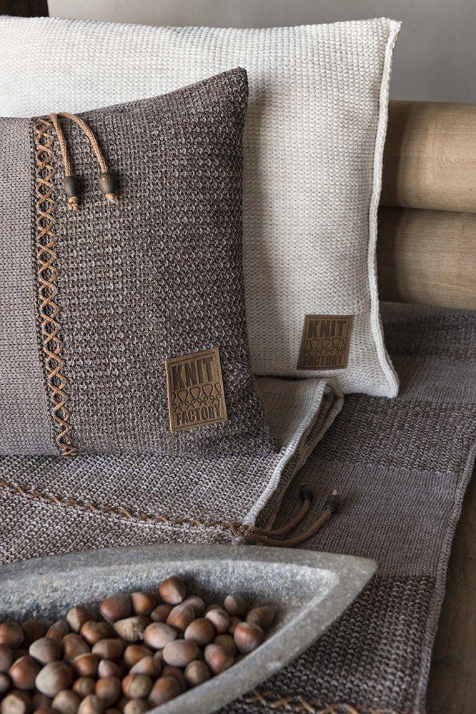 knit factory 1311348 roxx kussen 60x40 bruin taupe 7