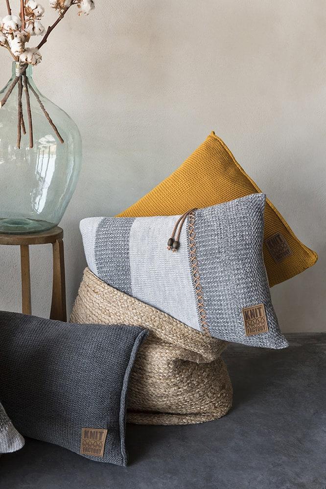 knit factory 1311351 roxx kussen 60x40 grijs antraciet 2