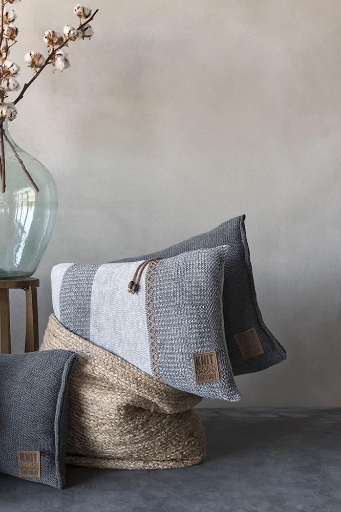 knit factory 1311351 roxx kussen 60x40 grijs antraciet 3