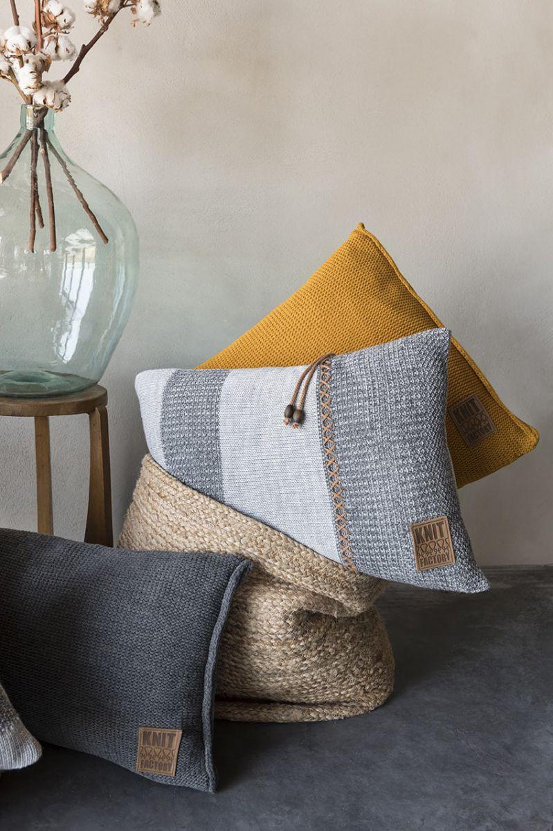 knit factory 1311352 roxx kussen 60x40 beige marron 4