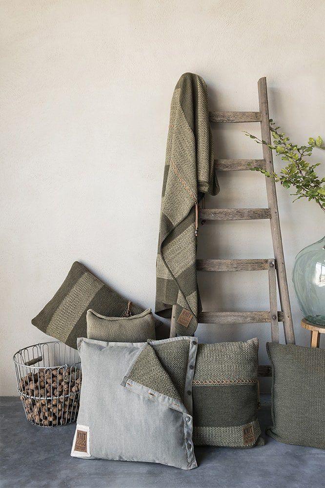 knit factory 1321244 rick kussen 50x50 groen olive 3