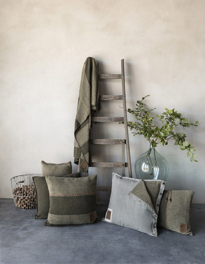 knit factory 1321244 rick kussen 50x50 groen olive 4