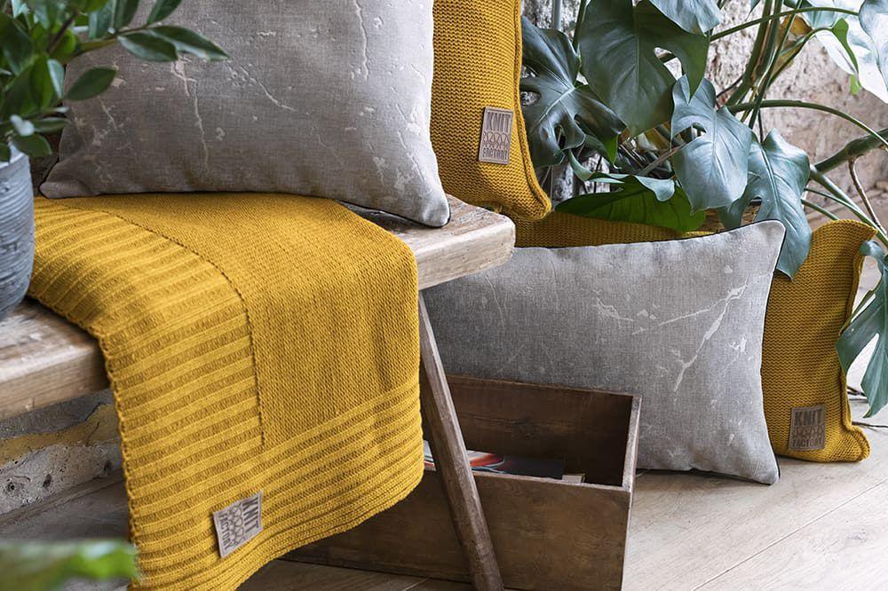knit factory 1421311 james kussen 60x40 licht grijs 4