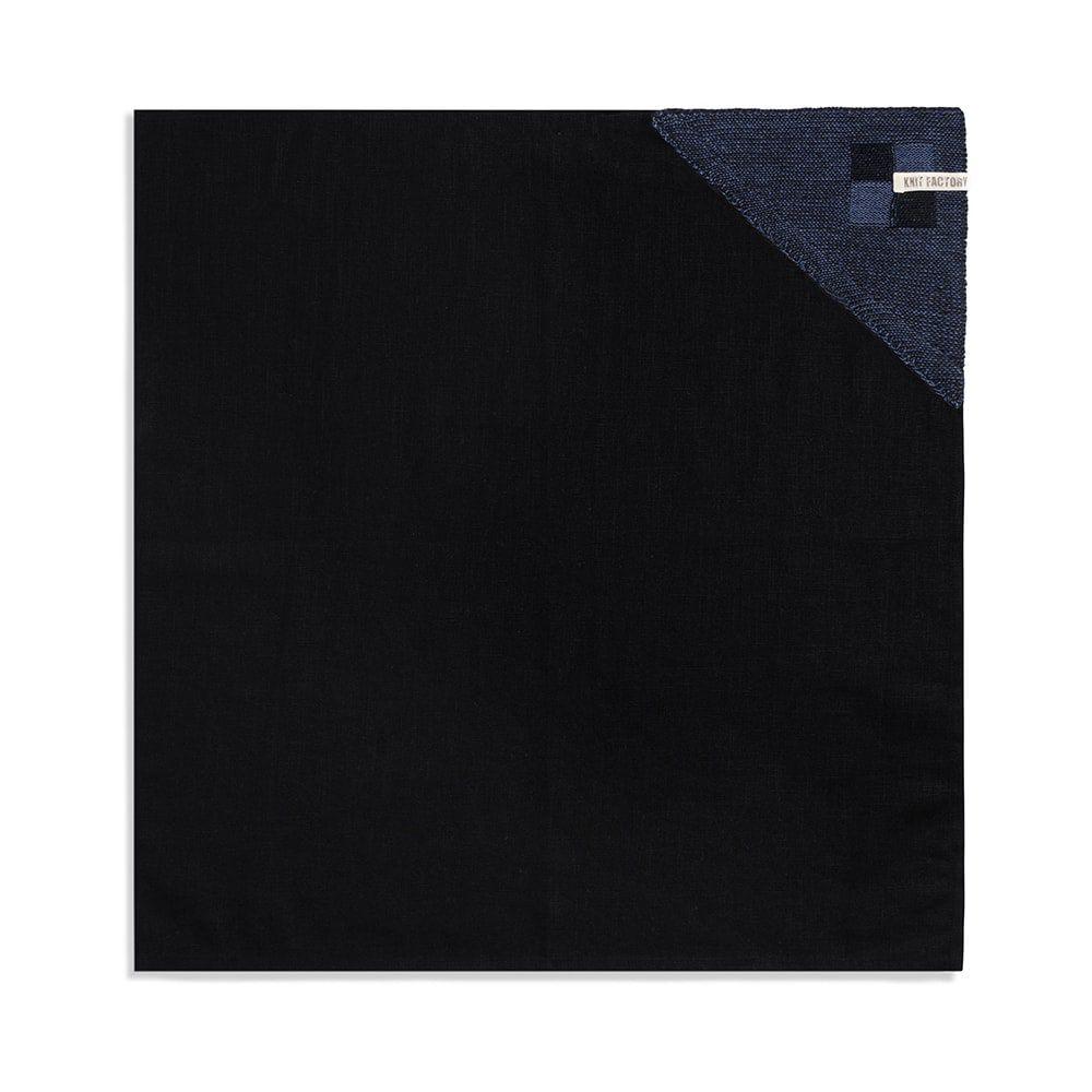 knit factory 2010166 theedoek grote blok 2 kleuren zwart jeans 1