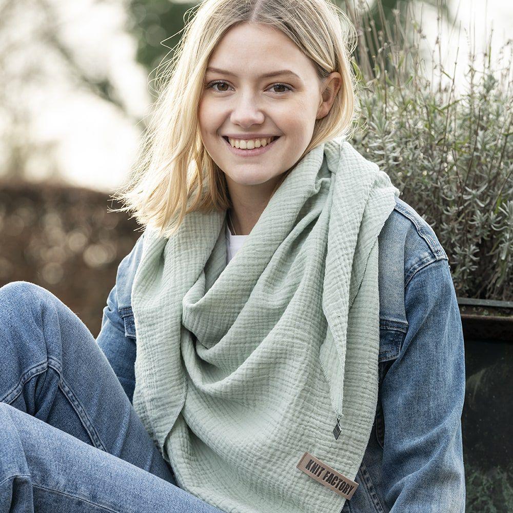 knit factory kf128060039 liv omslagdoek vintage green 3