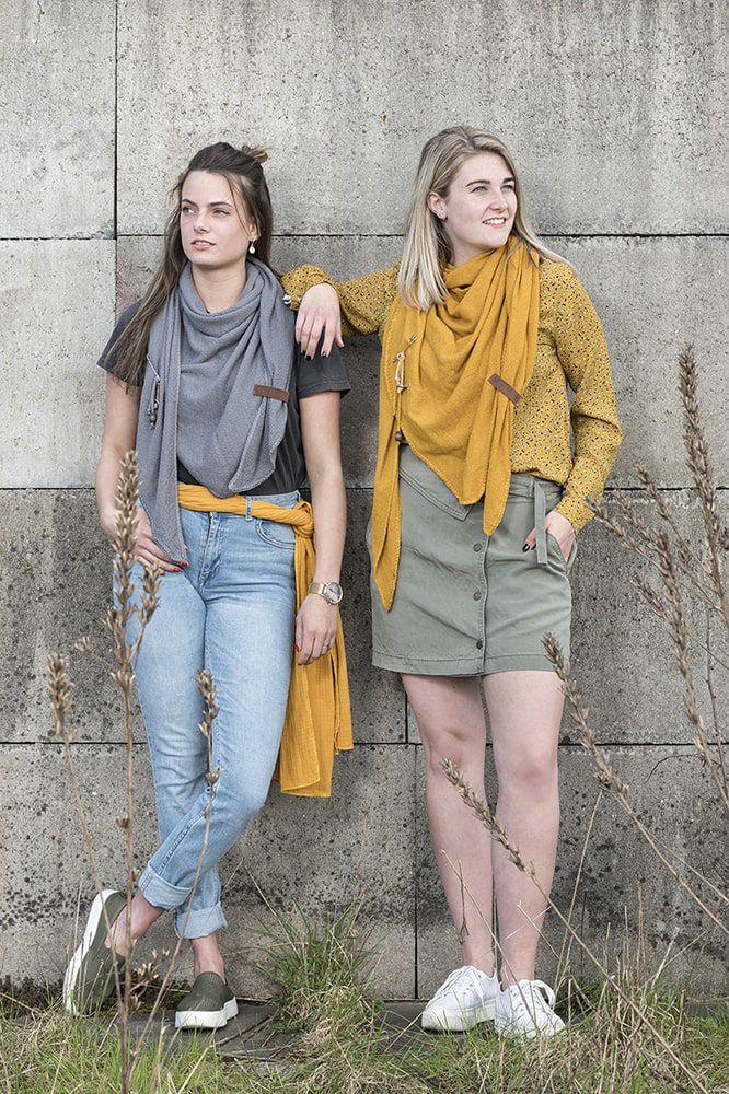 knit factory kf130060017 lola omslagdoek oker 6