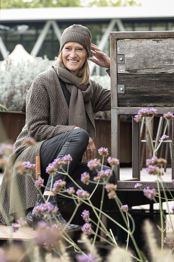 knit factory kf13308202951 luna vest taupe 4042 5