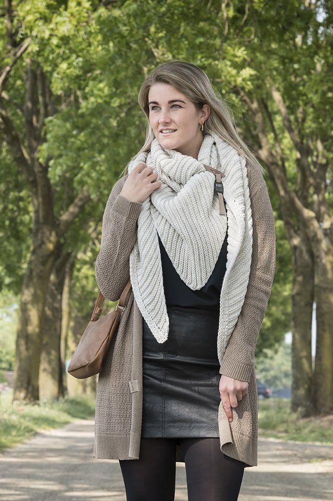 knit factory kf14706001250 demy omslagdoek beige 5