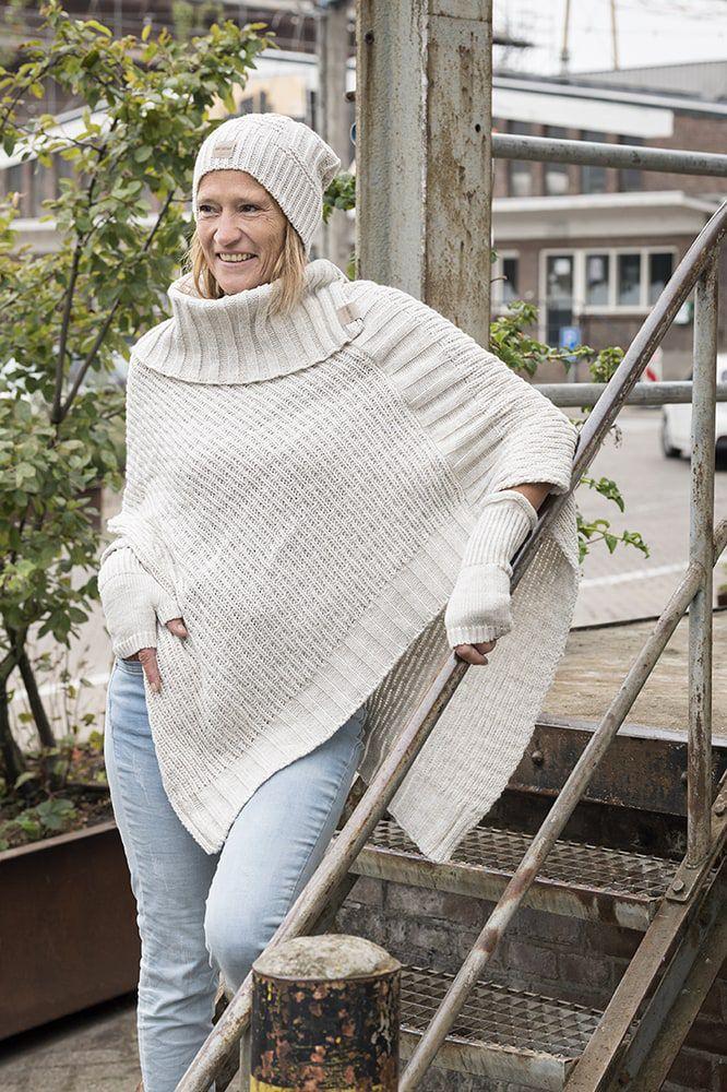 knit factory kf14806201250 nicky gebreide poncho beige 2