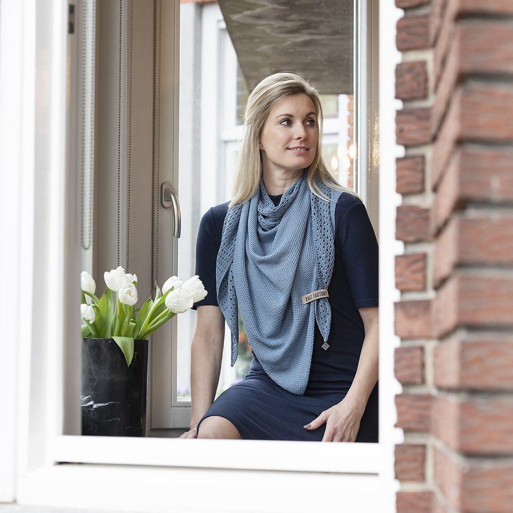 knit factory kf152060005 april omslagdoek stone blue 2