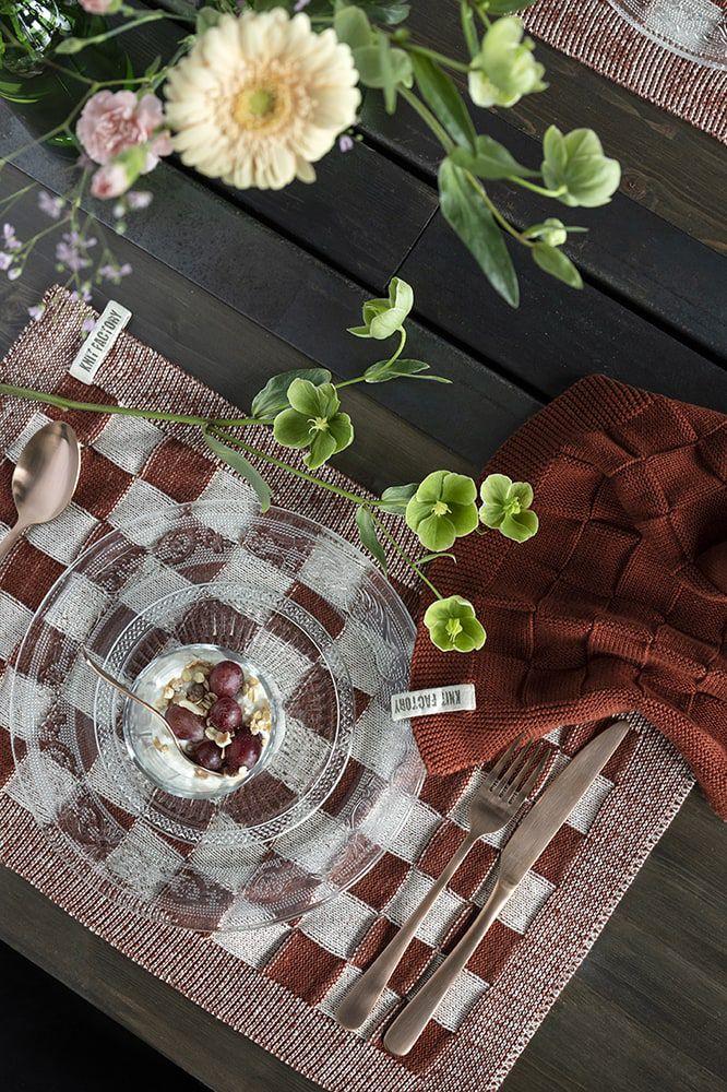 knit factory kf201202286 placemat block ecru roest 3