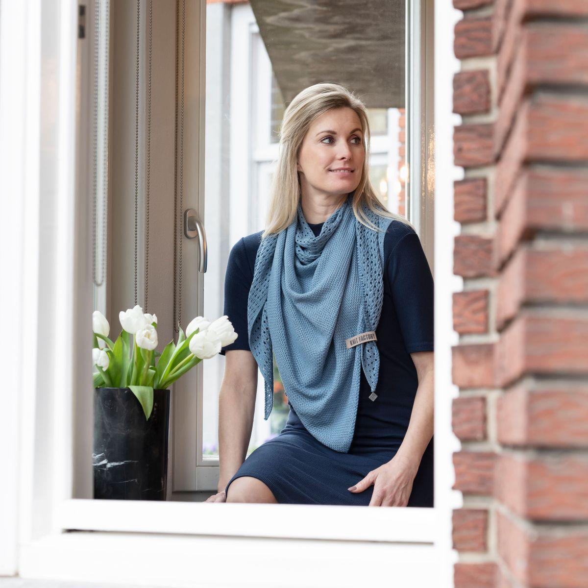 april triangle scarf stone blue