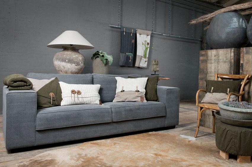 aran cushion light grey 60x40