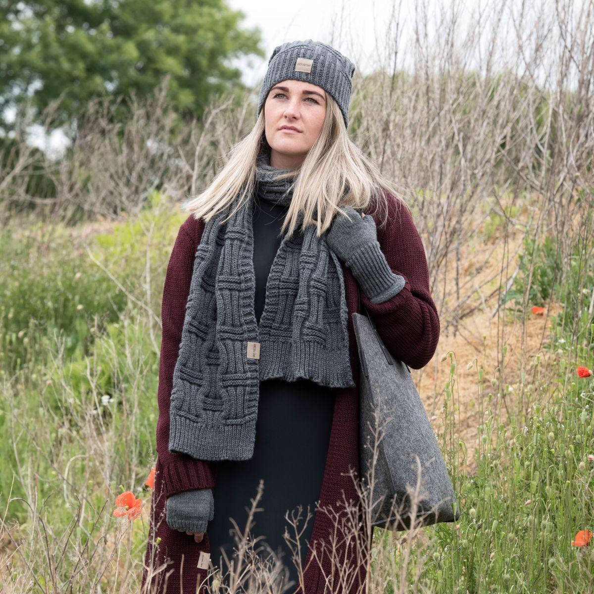 knit factory kf14406501050 bobby sjaal antraciet 3