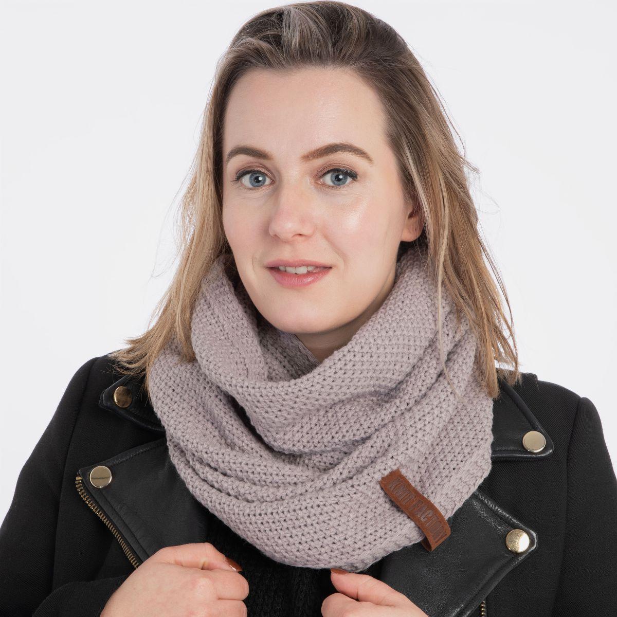 coco infinity scarf mauve