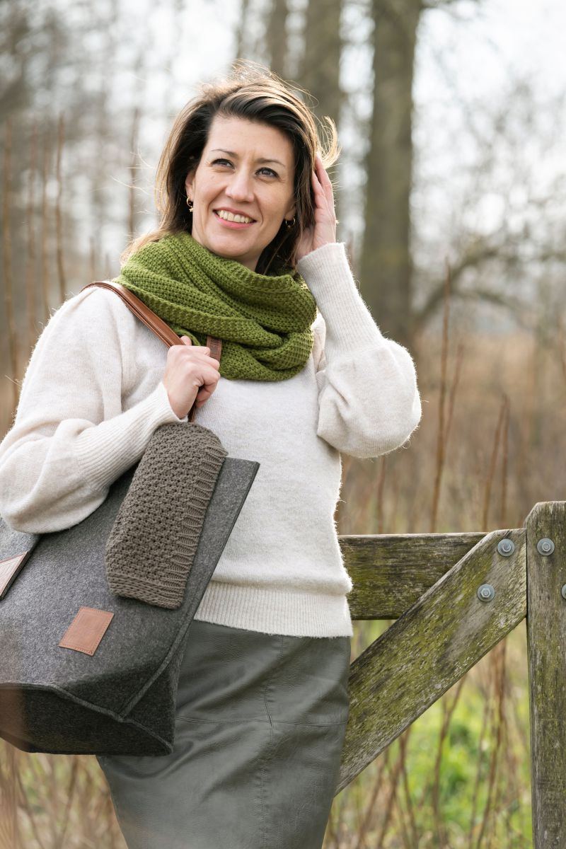 coco infinity scarf taupe
