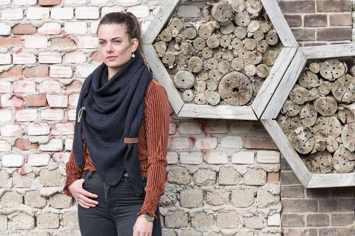 knit factory 1205826 coco omslagdoek deluxe navy 2