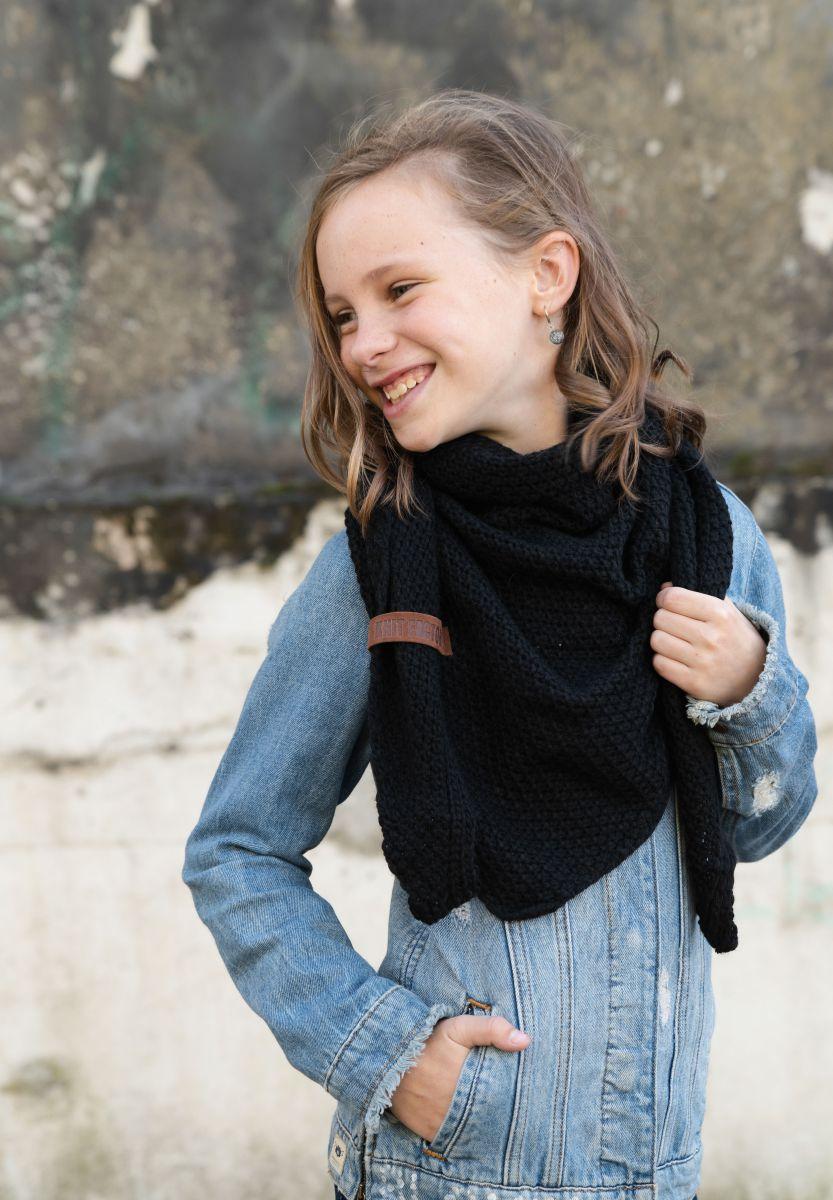 knit factory 1205900 coco omslagdoek junior zwart 2