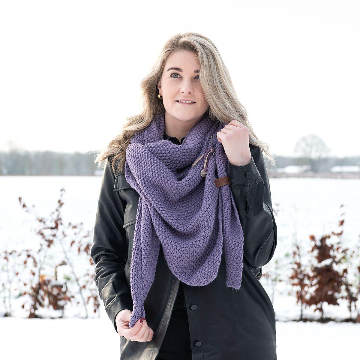 knit factory kf12006004350 coco omslagdoek violet 2