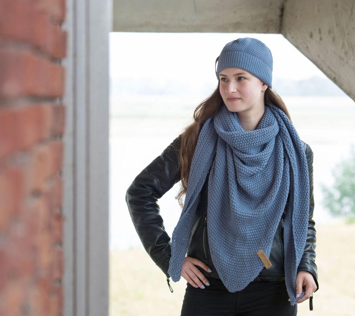 coco triangle scarf indigo