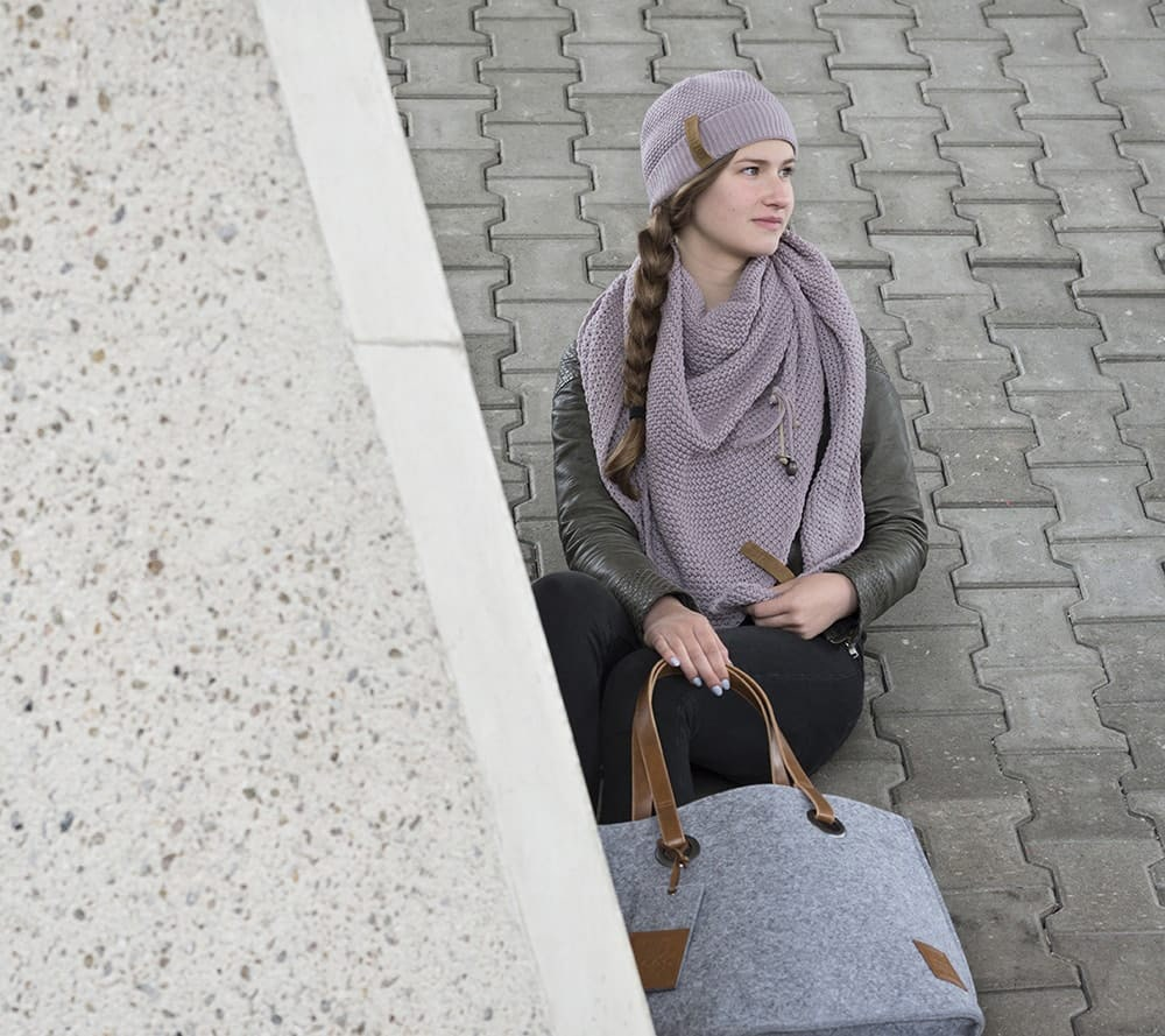 coco triangle scarf mauve