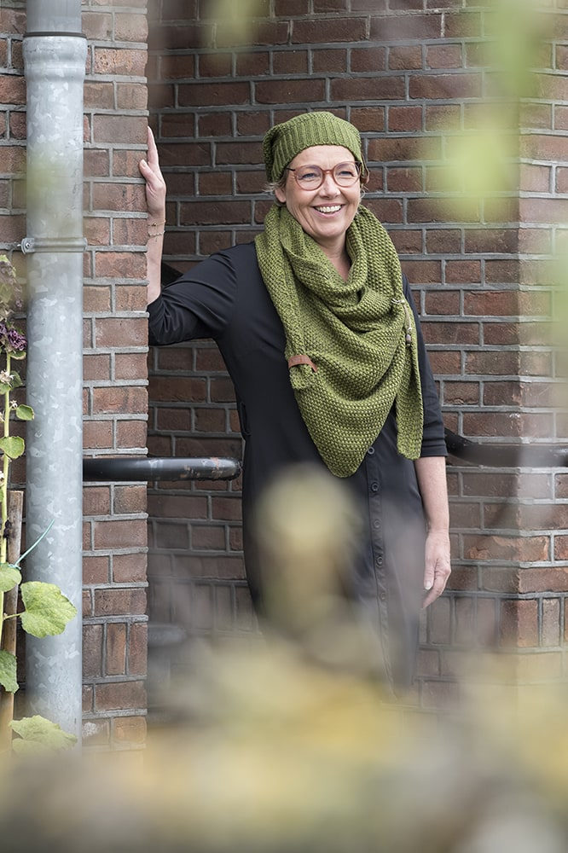 coco triangle scarf moss greenkhaki