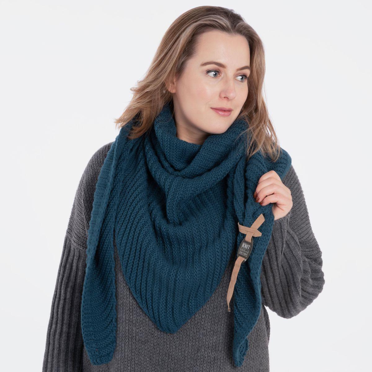 knit factory kf14706000850 demy omslagdoek petrol 2