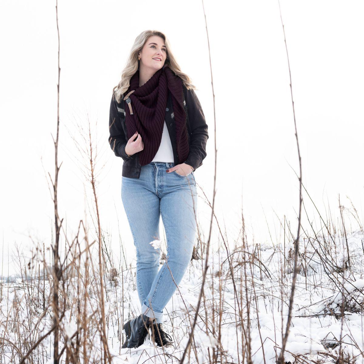 demy triangle scarf aubergine