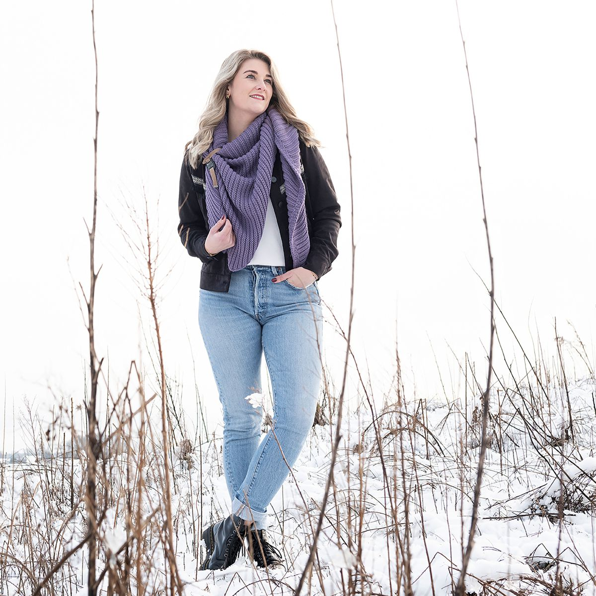 demy triangle scarf violet