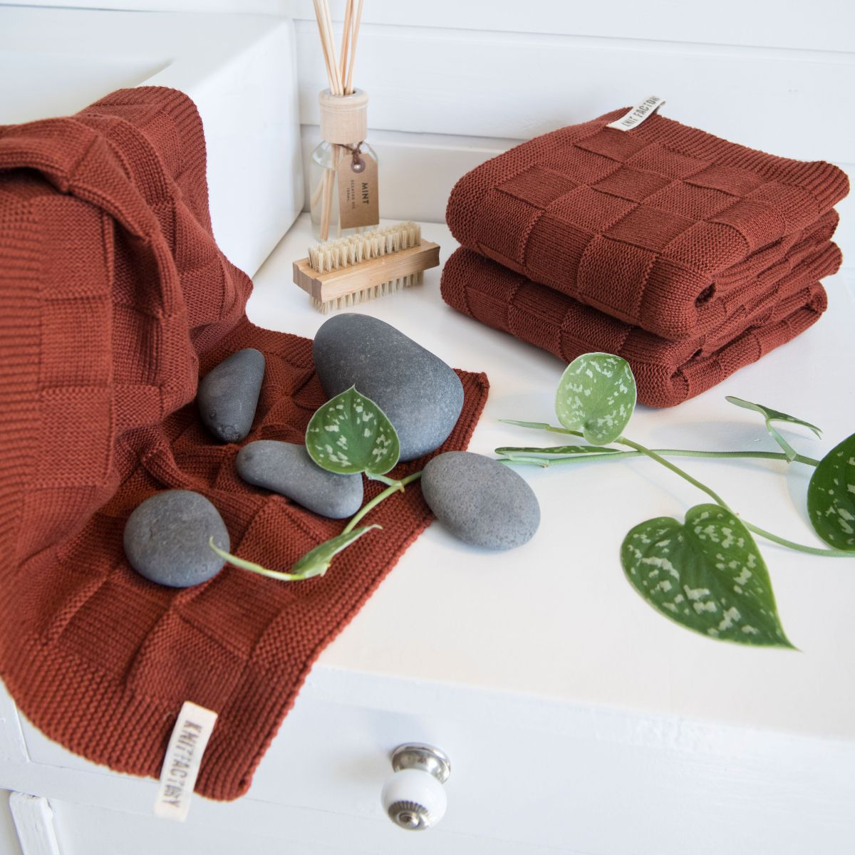 guest towel ivy stone green
